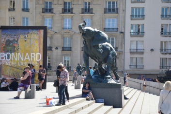 Random shot of the elephant statue outside the Musee D'Orsay while we thought we were waiting for our coach.