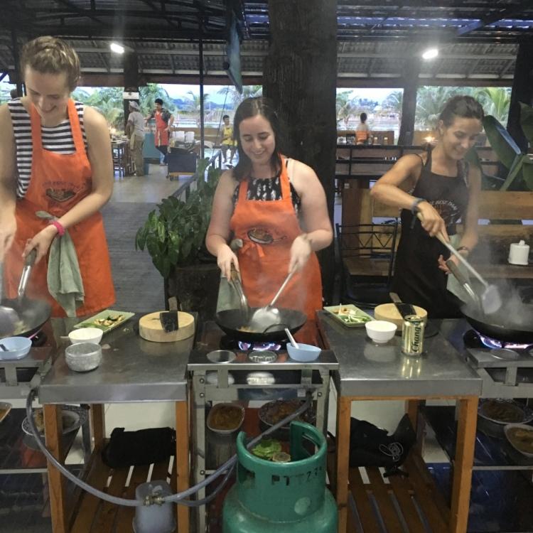 mic-dani-and-natalia-cooking